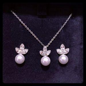 Swarovski 3 piece pearl set